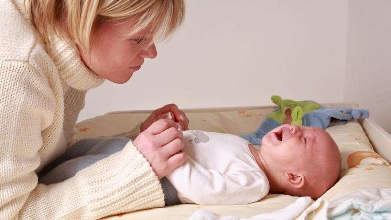 какая лучше смесь для новорожденных от запоров