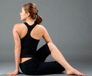 Упражнения йоги для кишечника при запорах