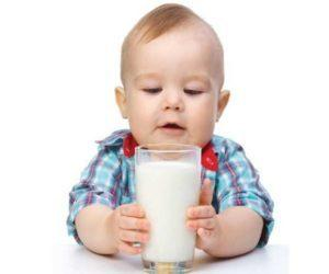 Запоры у детей от разных видов молока - что делать